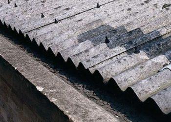 Αμίαντος: επιστήμονες κρούουν τον κώδωνα του κινδύνου για το επικίνδυνο υλικό