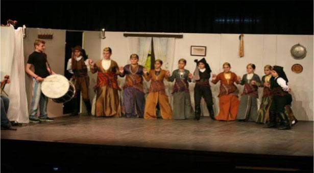 Η θεατρική παράσταση «τη νύφες το κλέψιμον» που ξετρέλανε τους Αργοναύτες Κιλκίς