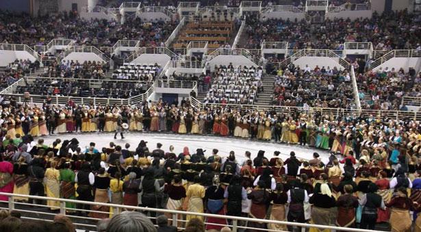 Στιγμιότυπα της Ευξείνου Λέσχης Βέροιας στο 9ο Φεστιβάλ Ποντιακών Χορών