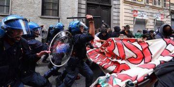 Μαθητές και φοιτητές διαδηλώνουν στην Ιταλία