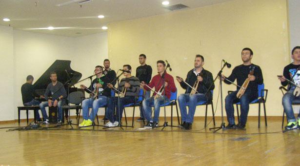 Με τον ήχο της ποντιακής λύρας έκοψε την πίτα ο Ευξείνιος Μουσικός Πολιτιστικός Σύλλογος