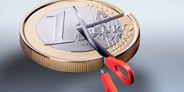 Το σχέδιο της κυβέρνησης για κούρεμα χρεών επιχειρήσεων και ελεύθερων επαγγελματιών