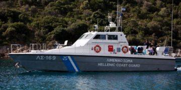 Πτώση οχήματος στο λιμάνι του Πειραιά 2