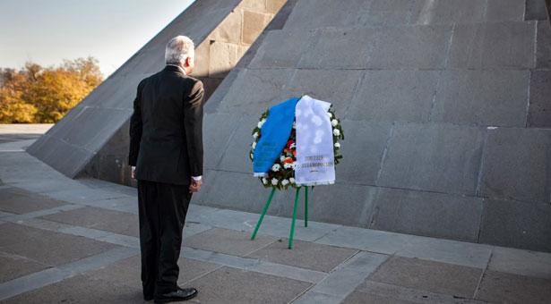 Κατέθεσε στεφάνι στο Μνημείο Γενοκτονίας των Αρμενίων ο Πρόεδρος της Βουλής των Ελλήνων