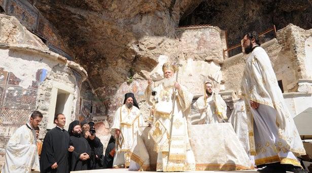 15 Αυγ 2013: Θεία Λειτουργία στην Παναγία Σουμελά στον Πόντο