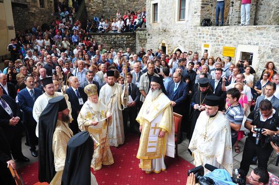Παναγία Σουμελά: Ξεκίνησε η Θεία Λειτουργία στο Όρος Μελά της Τραπεζούντα