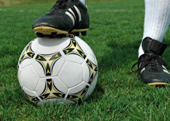 Με «λουκέτο» στα πρωταθλήματα απειλούν οι ποδοσφαιριστές