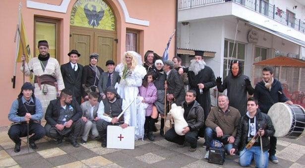 Οι Μωμόγεροι σήκωσαν τη Χρυσούπολη στο πόδι