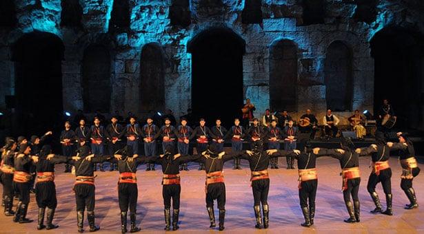 Εκπληκτικά βίντεο από την παράσταση Πόντος και Κρήτη σμίξανε στο Ηρώδειο!