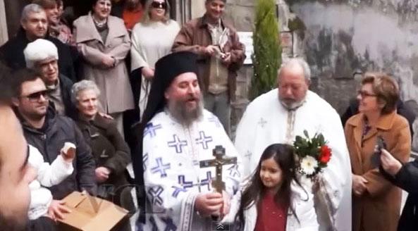 Δείτε πώς γιόρτασαν τα Θεοφάνεια στη Σμύρνη. Βίντεο