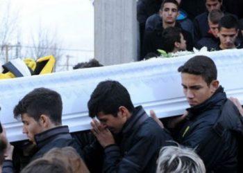 Ράγισαν οι πέτρες στην κηδεία του Άγγελου Τσιπούρα