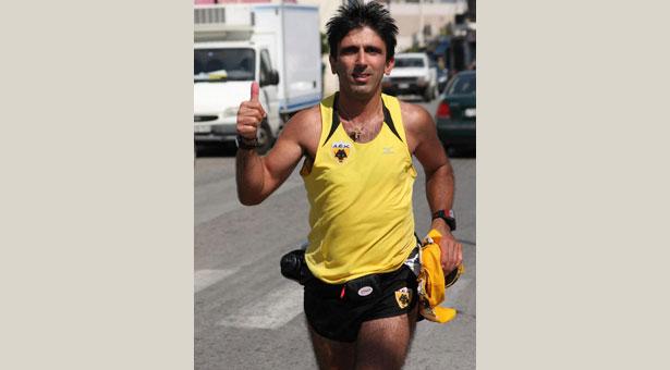 Τερμάτισε ο Γιώργος Ζαχαριάδης στο Σπάρταθλον με τη βοήθεια της Παναΐας