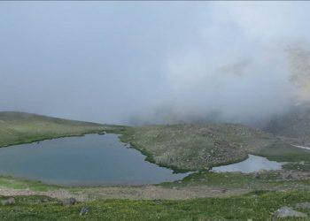 Στα Χερίανα του Πόντου κολυμπούν στα παγωμένα νερά της Δρακολίμνης (βίντεο)