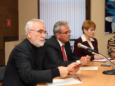 Ο Ιβάν Σαββίδης διαψεύδει κάθε εμπλοκή στο Σκοπιανό
