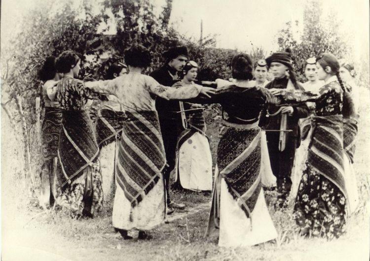 Η φωτογραφία είναι ευγενική παραχώρηση του Αρχείου Θεάτρου «Δόρα Στράτου» και τα πνευματικά δικαιώματα ανήκουν αποκλειστικά σε αυτό