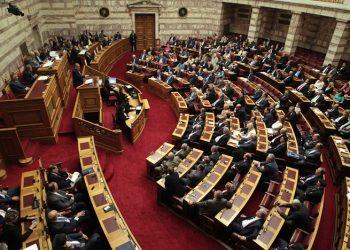 Συνεχίζεται για τρίτη μέρα η συζήτηση για τη Συμφωνία των Πρεσπών – Δείτε live τα όσα γίνονται στη Βουλή