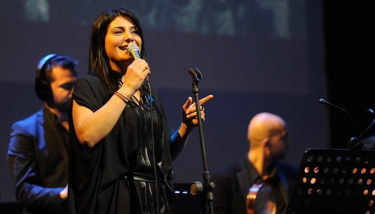 Πέλα Νικολαΐδη: Η ζωή και η πορεία της διάσημης τραγουδίστριας