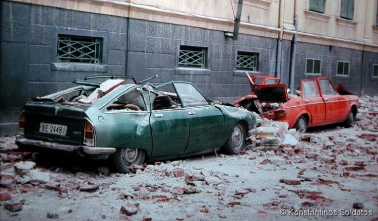 Σπάνιες φωτογραφίες από τον φονικό σεισμό του 1978 στη Θεσσαλονίκη