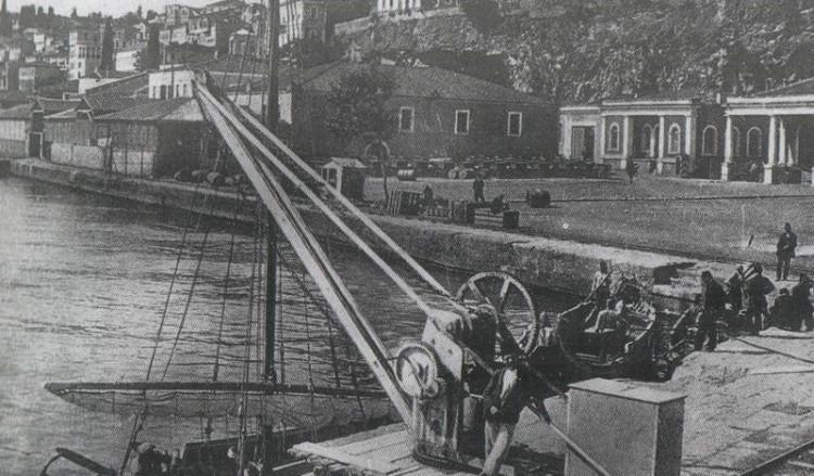 Τραπεζούς, Θέρος 1911: Οι λιμένες Τραπεζούντος και Αμισού - Cover Image