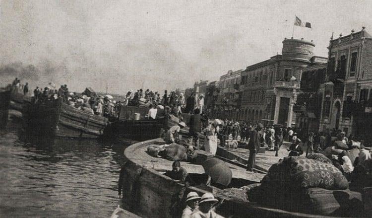 1922: Οι Τούρκοι εισβάλλουν στη Σμύρνη – Η καταστροφή