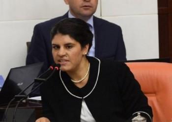 Εκδόθηκε ένταλμα σύλληψης της Ντιλέκ Οτζαλάν