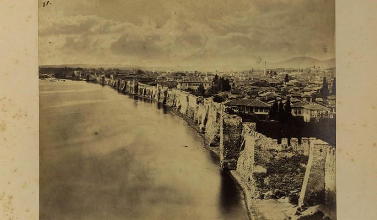 Η σπάνια φωτογραφία της Θεσσαλονίκης με τείχη και οι Αρμένιοι αδερφοί Αμπντουλάχ