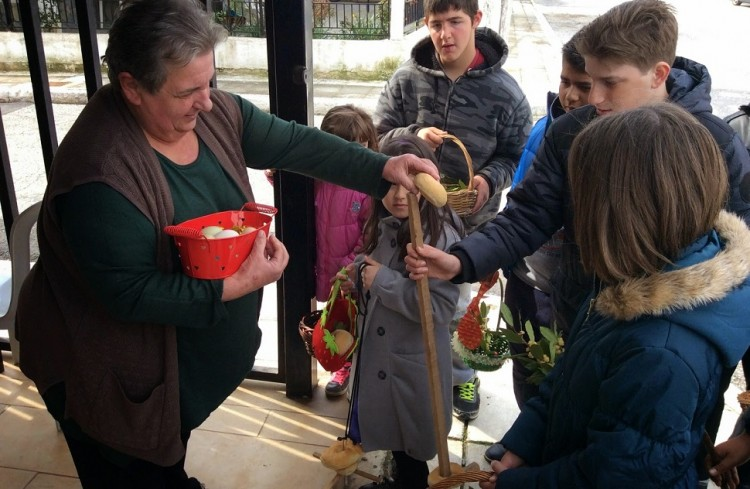 Το Σάββατο του Λαζάρου οι Πόντιες νοικοκυρές φτιάχνουν κερκέλια  - Cover Image