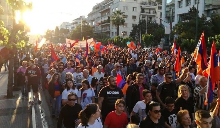 Δυναμική πορεία διαμαρτυρίας στην τουρκική πρεσβεία για την 103η επέτειο της Γενοκτονίας των Αρμενίων