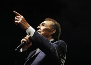 Ο ανεπανάληπτος Τόλης Βοσκόπουλος αποθεώθηκε στο Ηρώδειο σε μια μαγική συναυλία (φωτο)