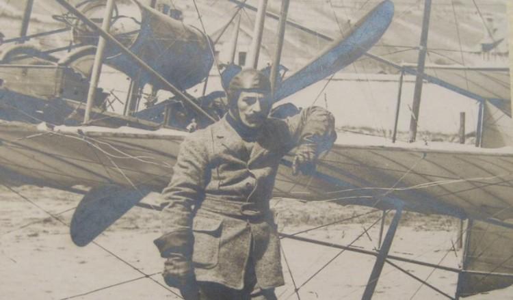 Η ζωή και η δράση του θρυλικού πρώτου Έλληνα στρατιωτικού αεροπόρου