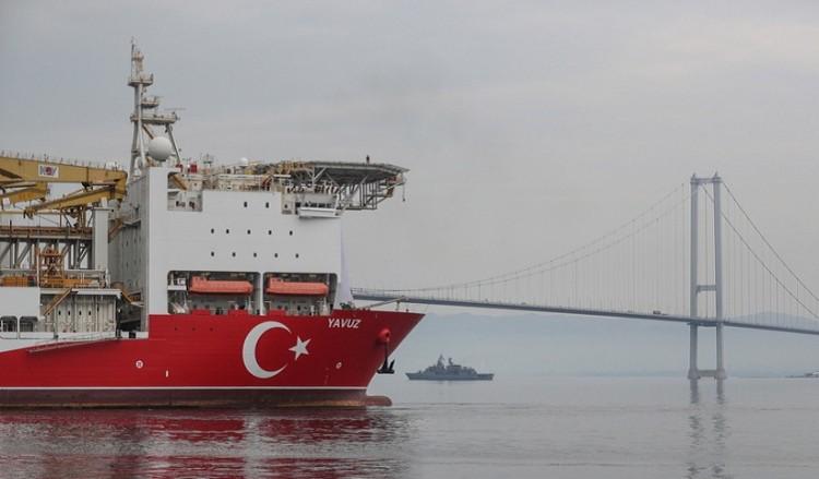 Η Τουρκία αγοράζει νέο πλοίο-γεωτρύπανο