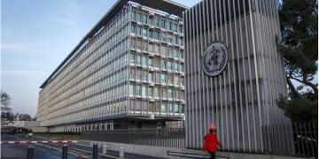 Εξωτερική άποψη της έδρας του ΠΟΥ στη Γενεύη (φωτ.: EPA / Salvatore Di Nolfi)