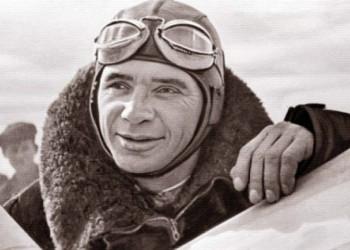 Σαν σήμερα γεννήθηκε ο θρυλικός σοβιετικός πιλότος Βλαδίμηρος Κοκκινάκης (βίντεο)