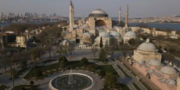 Άποψη της Αγίας Σοφίας στην Κωνσταντινούπολη, από ψηλά (φωτ.: flickr.com)