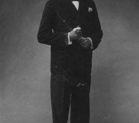 Ο σπουδαίος Πόντιος μουσικός, το 1926, στη Δράμα (φωτ.: Αρχείο Δ, Κουτσογιαννόπουλου)