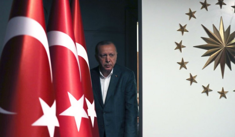 Ο Ερντογάν συνεχίζει τις απειλές και λέει πως θα στείλει και τρίτο ερευνητικό σκάφος στην Ανατολική Μεσόγειο