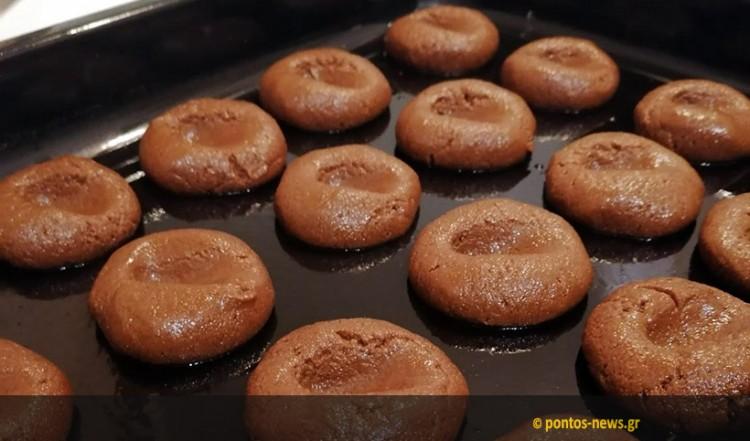 Νηστίσιμα μπισκότα με κακάο και πορτοκάλι από τον Σάββα Καρίπογλου