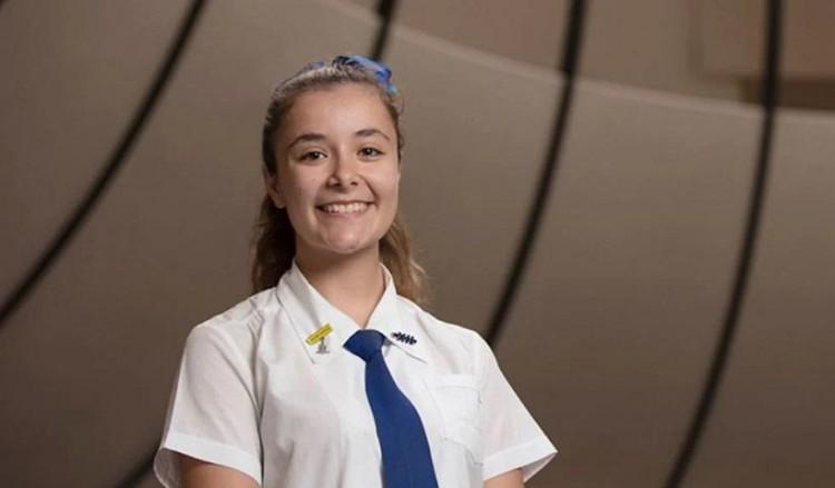 Η 18χρονη Ματίνα Σαμίου που αρίστευσε στις αντίστοιχες παναυστραλιανές εξετάσεις που οδηγούν στο πανεπιστήμιο (φωτ.: Facebook /Brisbane Girls Grammar School)