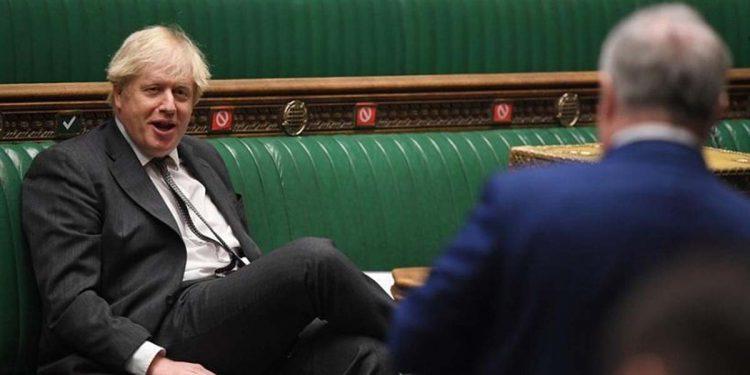 Ο Βρετανός πρωθυπουργός Μπόρις Τζόνσον, σήμερα, στη Βουλή των Κοινοτήτων (φωτ.: EPA/JESSICA TAYLOR HANDOUT)