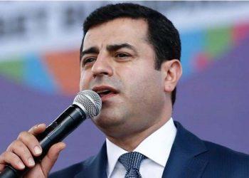 Ο Σελαχατίν Ντεμιρτάς (φωτ.: EPA / Sedat Suna)