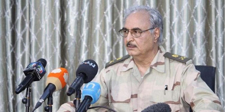Ο στρατάρχης Χαλίφα Χαφτάρ (φωτ. αρχείου: EPA / Mohammed Elshaiky)