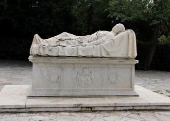 Το ταφικό μνημείο του Αλέξανδρου Υψηλάντη στο πεδίο του Άρεως (φωτ.: ΑΠΕ-ΜΠΕ / ΓΕΣ / STR)