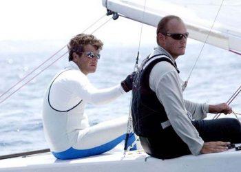 Λεωνίδας Πελεκανάκης (αρ.) και Γιώργος Κοντογούρης στους αγώνες ιστιοπλοΐας στο Ολυμπιακό Κέντρο Ιστιοπλοΐας στις εγκαταστάσεις στον Αγ.Κοσμά, κατά τη διάρκεια των test events για τους Ολυμπιακούς Αγώνες Αθήνα 2004 (φωτ.: ΑΠΕ-ΜΠΕ)