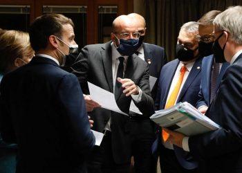 Από αριστερά: Μισέλ, Ορμπάν, Μοραβιέτσκι, Τράνχολμ-Μίκελσεν, Μακρόν και Μέρκελ (φωτ.: EU / Dario Pignatelli)