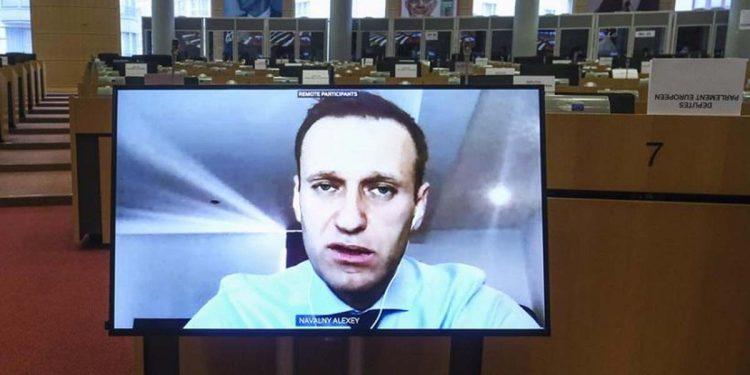 Ο Αλεξέι Ναβάλνι κατά την κατάθεσή μου μέσω τηλεδιάσκεψη στην Επιτροπή Εξωτερικών Υποθέσεων του Ευρωπαϊκού Κοινοβουλίου (φωτ.: EPA / Olivier Hoslet)