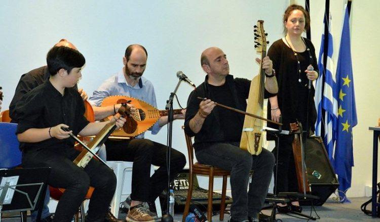 Ο Γιώργος Πουλαντσακλής με συνεργάτες σε παλαιότερη μουσική συνάντηση (φωτ. αρχείου: facebook.com/Giorgos-Poulantsaklis)