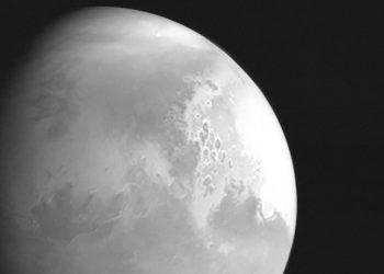 Η πρώτη εικόνα του Άρη που έστειλε στη Γη το κινεζικό Tianwen-1 (φωτ.: China National Space Administration)