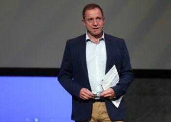 Ο μέχρι σήμερα καλλιτεχνικός διευθυντής του Εθνικού Θεάτρου Δημήτρης Λιγνάδης, στην τελετή απονομής του Θεατρικού Βραβείου «Μελίνα Μερκούρη» για το 2020, στο Εθνικό Θέατρο Rex (φωτ.: ΑΠΕ-ΜΠΕ / Αλέξανδρος Βλάχος)