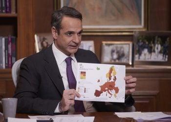 Ο πρωθυπουργός κατά τη διάρκεια συνέντευξης που παραχώρησε στον ΣΚΑΪ και στον δημοσιογράφο Αλέξη Παπαχελά (φωτ.: ΑΠΕ-ΜΠΕ / Γρ. Τύπου Πρωθυπουργού/ Δημήτρης Παπαμήτσος)