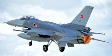Τουρκικό F-16 (φωτ.: SAC Helen Farrer RAF Mobile News Team/MOD)